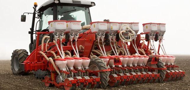 Запчасти на тракторы в Волжском